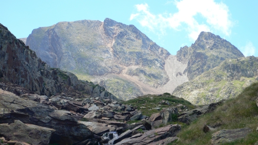 Looking back to the scree slope below the Coll de Certascan