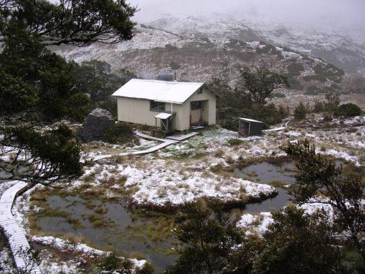 Loch Roe hut