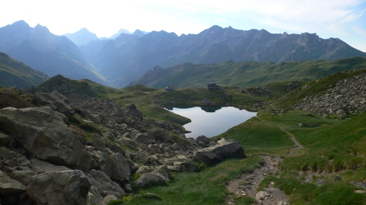 Looking down to the Refuge de Pombie